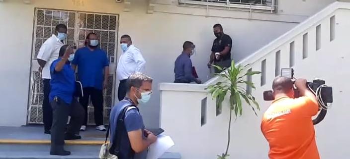 Interponen querella penal contra expresidente Juan Carlos Varela y exministro Carlos Rubio