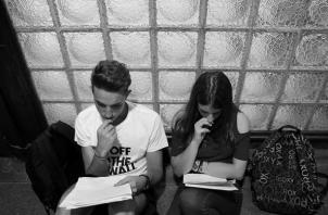 Según el padrón electoral publicado, el voto joven de 18 a 25 años, el 19% (521,535 votantes) y de 26 a 30 años, 11% (304,607 votantes). Foto: EFE.