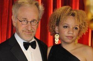 Steven Spielberg y su hija.