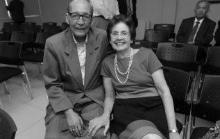 Alberto Quirós Guardia, junto a su esposa Aixa.